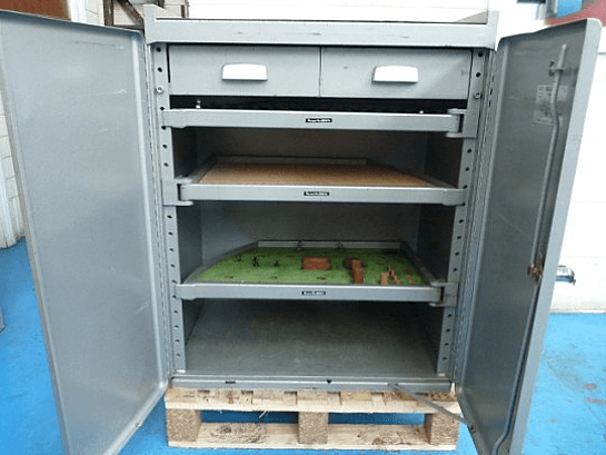 Versatool Tooling Cabinet With Swing Shelves