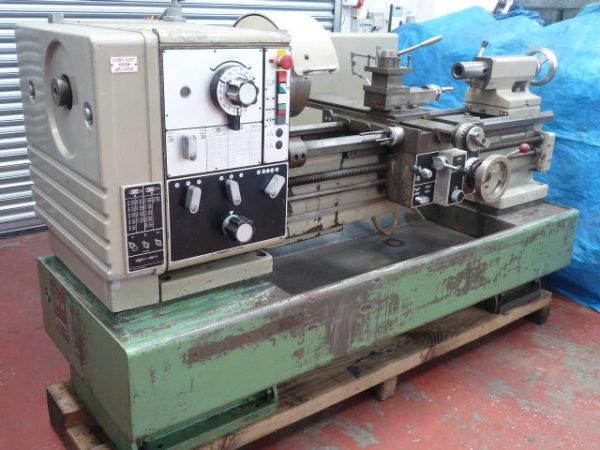"""Harrison M400 40"""" Gap Bed Centre Lathe"""