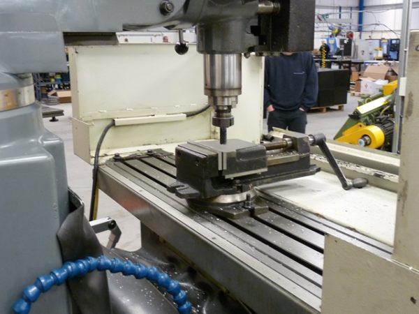 Ajax AJMP-300 Turret Mill with Acu-rite CNC control SUPERB CONDITION